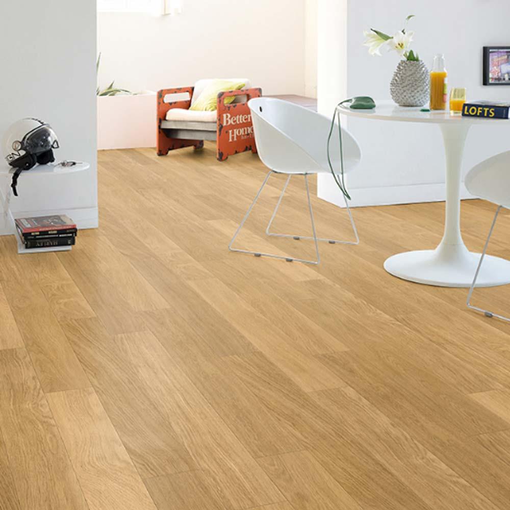 Quick Step Perspective Natural Varnished Oak Planks 4 Groove