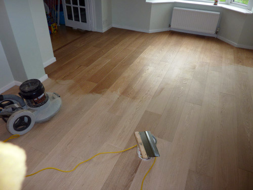 How to oil a wooden floor - oiling