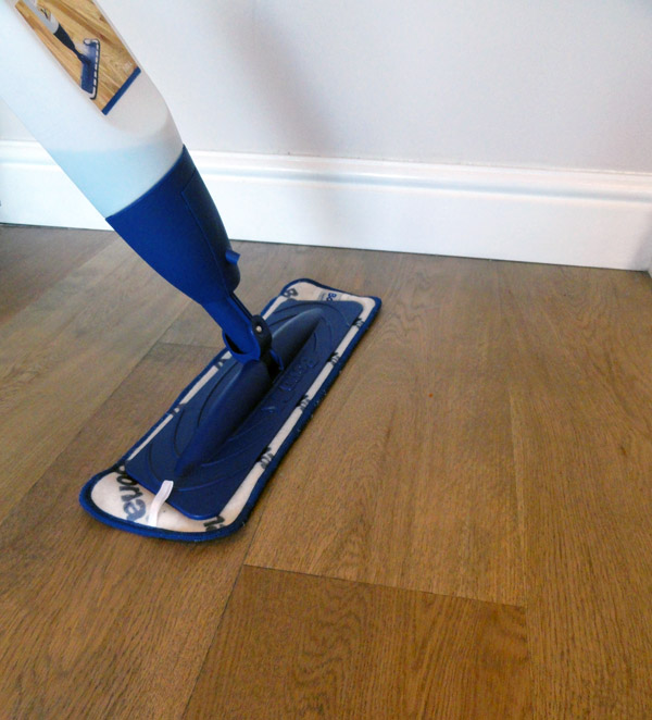 ambience 50 cleaning a hardwood floor