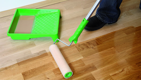 Advantages of unfinished hardwood floors - oiling a floor