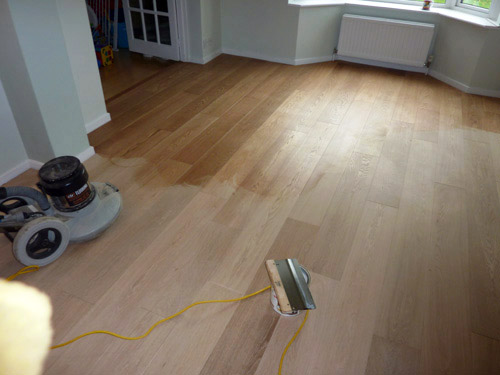 Can my wooden floor be re-finished - applying oil