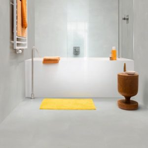 Bathroom with pale grey floor