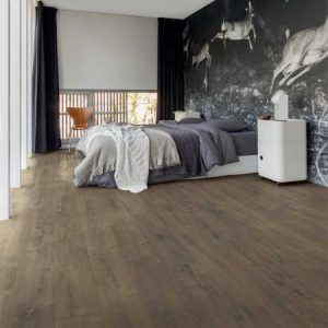 Bedroom with dark Oak flooring